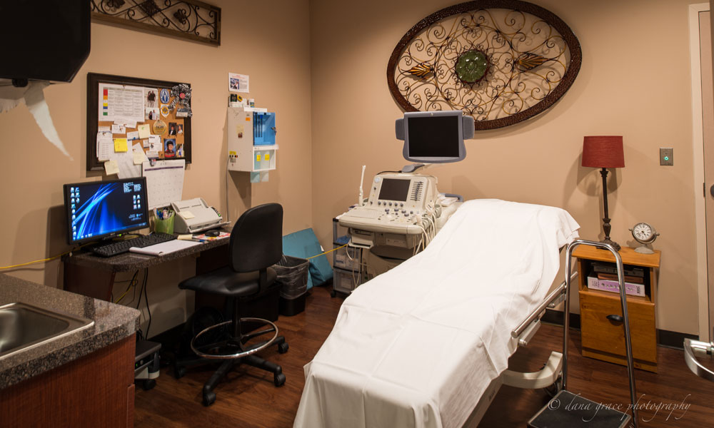 Patient Exam Room in Aspen Brook Center in Franklin, TN